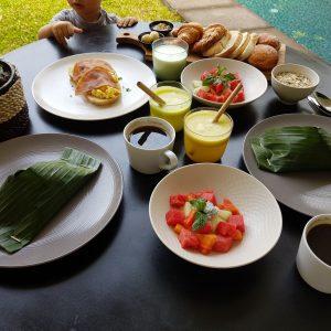 Petit déjeuner villa